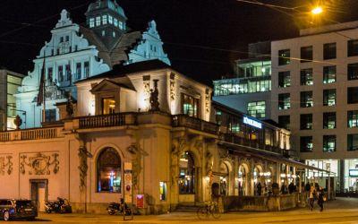 Das Münchner Künstlerhaus am Abend
