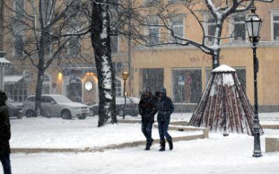 Schneetreiben am Wedekindplatz in Schwabing am 17.1.2016