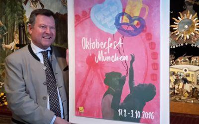 Bürgermeister Josef Schmid mit dem Oktoberfestplakat 2016