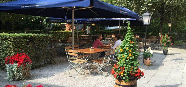 Der Biergarten im Braunauer Hof