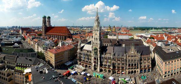 Panorama des Marienplatzes