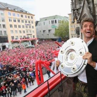 Meisterfeier des FC Bayern auf dem Marienplatz 2016