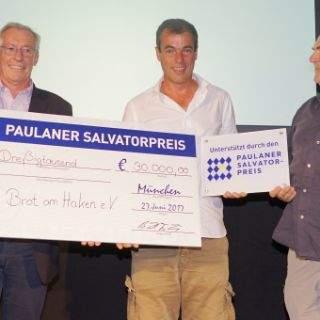Bewegte Preisträger beim erstmals verliehenen Preis