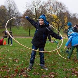 Spielaktionen für Kinder im Herbst und Winter im Münchner Westpark