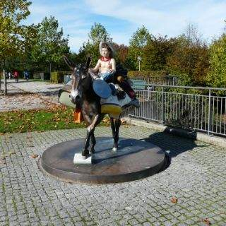 Cowboy-Skulptur im Petuelpark