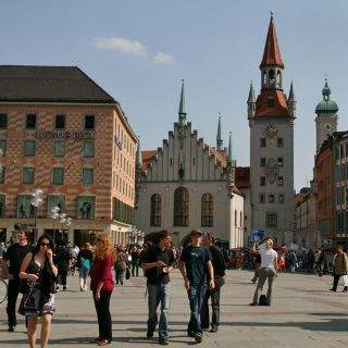 Das alte Rathaus begenzt den Marienplatz in Richtung Osten. Es war bis 1874 Sitz des Münchner Stadtrats.