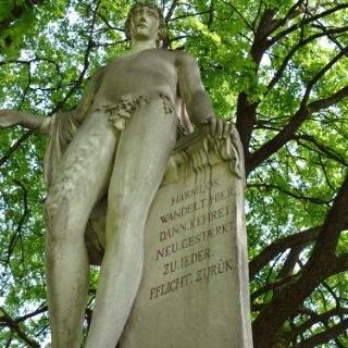 Harmlos-Statue