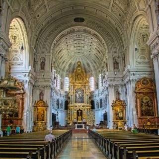 Kirchen besichtigen