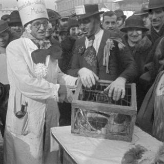 Tanz der Marktfrauen - so war es früher! Bildauswahl aus den Jahren 1938 bis 1974