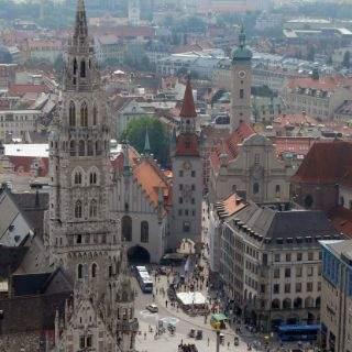 Im Osten: Der Marienplatz