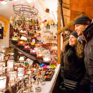 So gemütlich ist der Weihnachtsmarkt am Weißenburger Platz