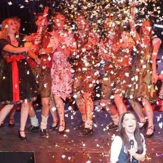 Trachten-Fans feiern im Löwenbräukeller
