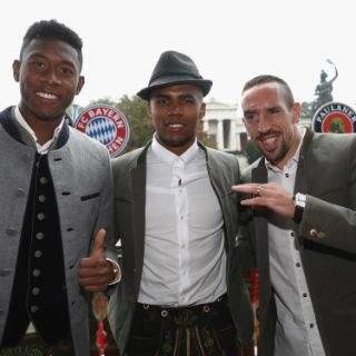 Bayern-Stars im Käferzelt