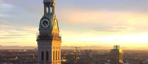 Peterskirche in der Abendsonne