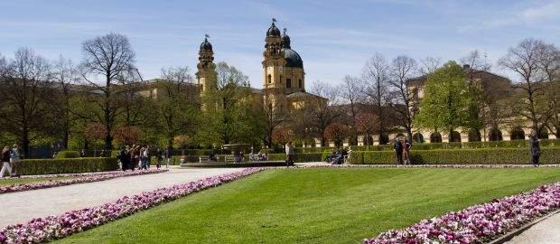 Der Hofgarten am Odeonsplatz