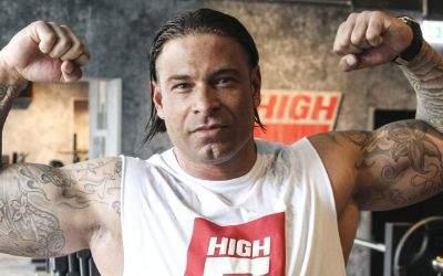 Tim Wiese bereitet sich auf seinen ersten Wrestling-Kampf in München vor