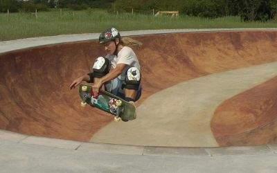 Skater auf neuer Anlage in Aubing
