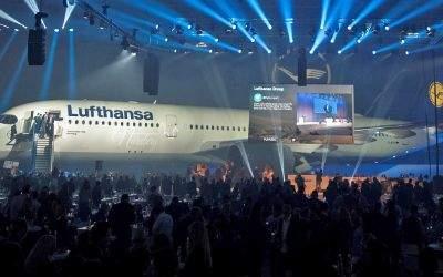 Der neue A350 wurde im Lufthansa-Hangar am Münchner Flughafen vorgestellt.