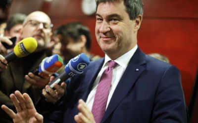 Markus Söder spricht mit den Medien
