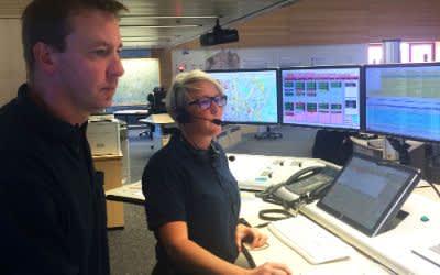 Einsatzkräfte in der Integrierten Leitstelle Notruf in München