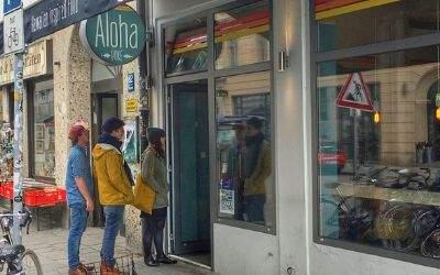 Das Aloha Poke in der Türkenstraße von Außen