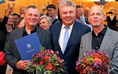 OB Dieter Reiter traut geschlechtliches Hochzeitspaar