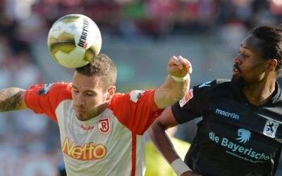 Marco Grüttner (Jahn Regensburg) vs. Abdoulaye Ba (TSV 1860 München) Relegation, 26.5.2017