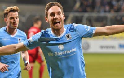 Markus Ziereis jubelt nach seinem Treffer zum 1:0.