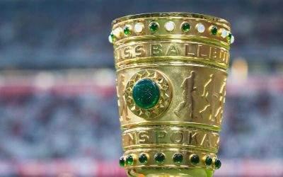 Der DFB-Pokal steht in der Allianz Arena