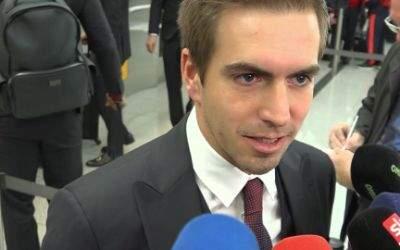Philipp Lahm im Interview am Flughafen München