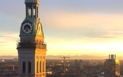 Peterskirche in der Abendsonne