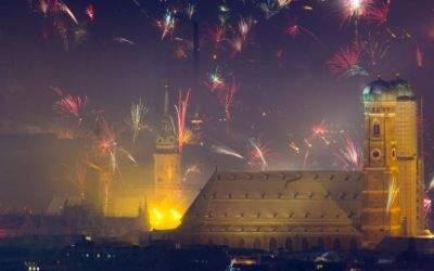 Jahreswechsel 2015 - Blick vom Olympiaturm auf die Frauenkirche