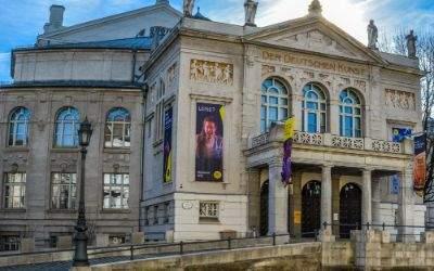 Prinzregententheater im Winter mit Sonnenschein