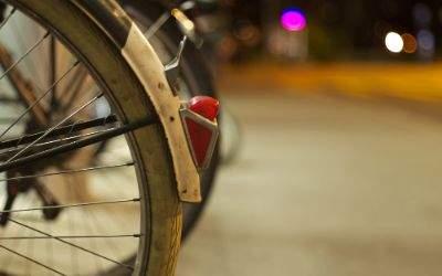 Fahrrad-Rückräder bei Nacht