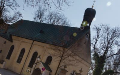 Sankt Stephan Kirche am Ende des Münchner Südfriedhofs