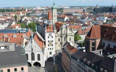 Ausblick vom Rathausturm auf Altes Rathaus Heiliggeistkirche und Isartor
