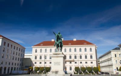 Wittelsbacher Platz in München