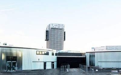Die Jochen Schweizer Arena in Taufkirchen bei München