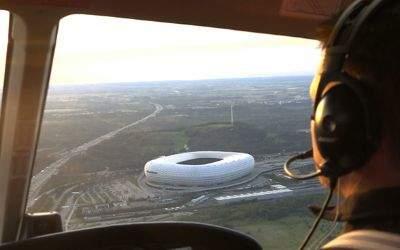Hubschrauberflug über München - Sicht auf die Allianz Arena