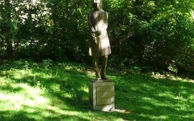 Chopin-Statue im Dichtergarten München
