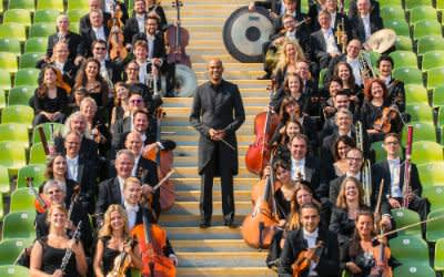 Münchner Symphoniker mit Chefidirigent Kevin John Edusei