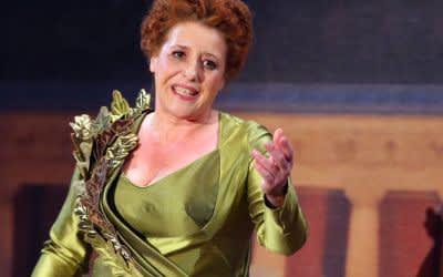 Luise Kinseher als Mama Bavaria