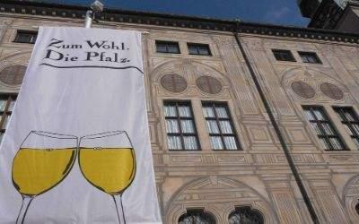 Plakat zum Weinfest