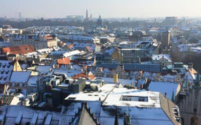 Aussicht vom Rathausturm über die winterliche Altstadt