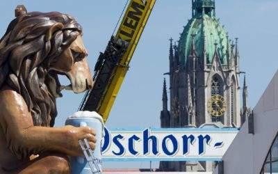 Löwe mit Bierkrug und Paulskirche