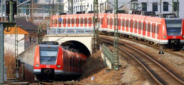 Zwei S-Bahnen treffen sich am Ostbahnhof