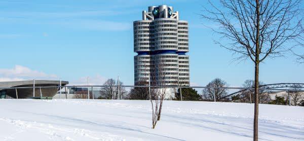 Die BMW-Welt im Olympipark im Winter