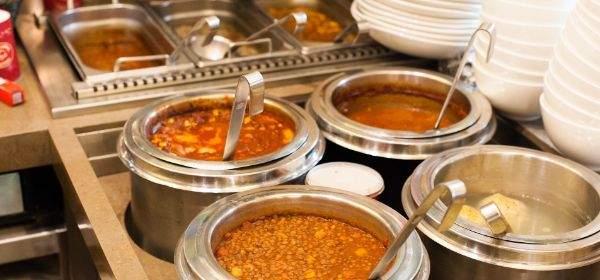 Suppen in der Münchner Suppenküche
