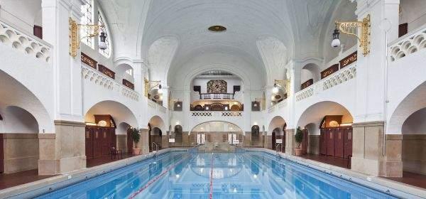 Große Schwimmhalle im Mueller'schen Volksbad