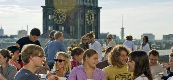 Dachterasse auf dem Café Vorhoelzer Forum der TU